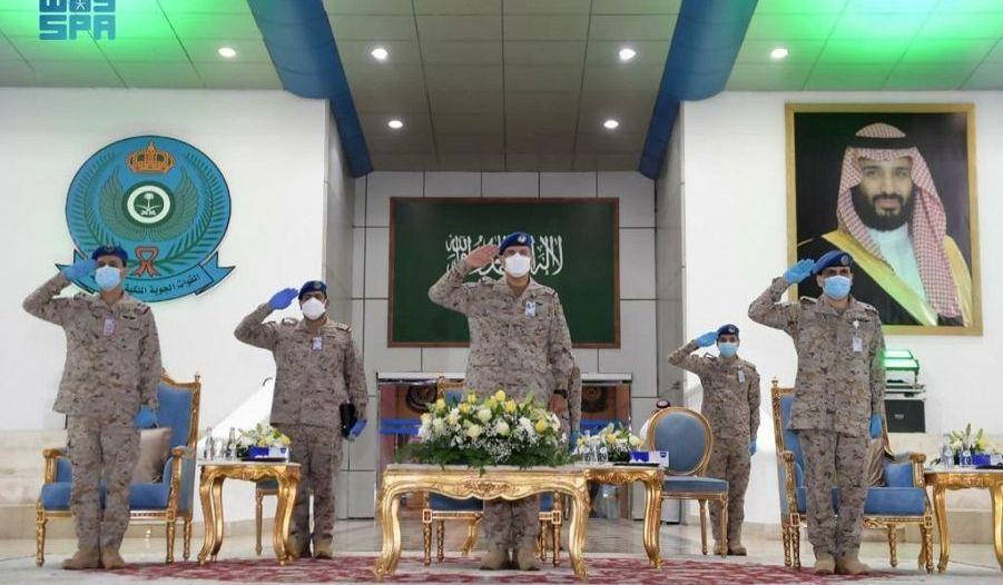 قائد القوات الجوية يزف خريجي الدورة 133 من معهد الدراسات الفنية
