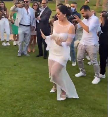 رقص الثنائي فى حفل الزفاف