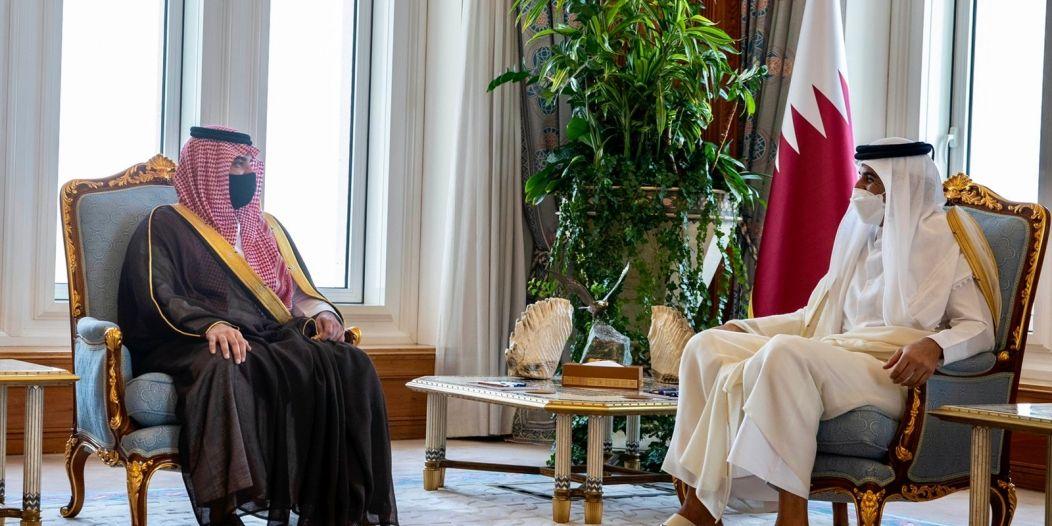 أمير قطر يستقبل وزير الداخلية ويبحث معه العلاقات الثنائية والتعاون الأمني
