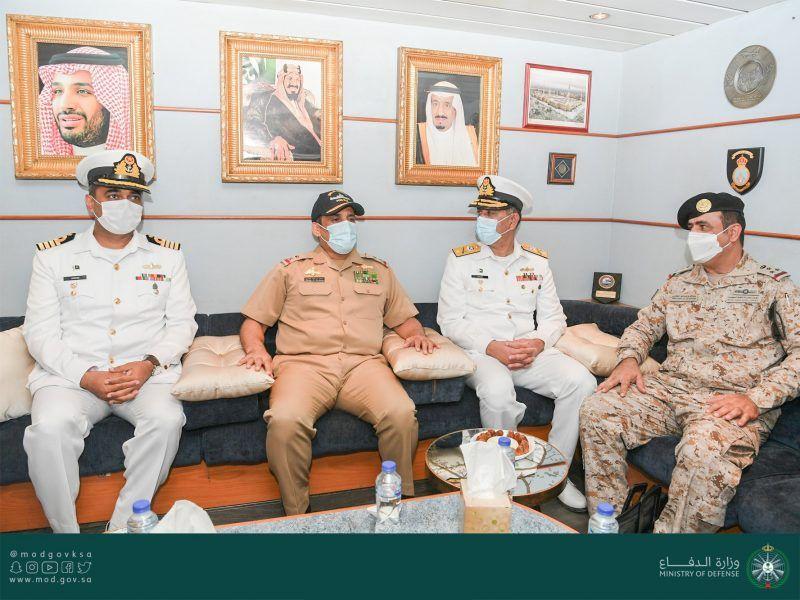 سفن القوات البحرية تصل إلى باكستان لتنفيذ تمرين نسيم البحر 13 - المواطن