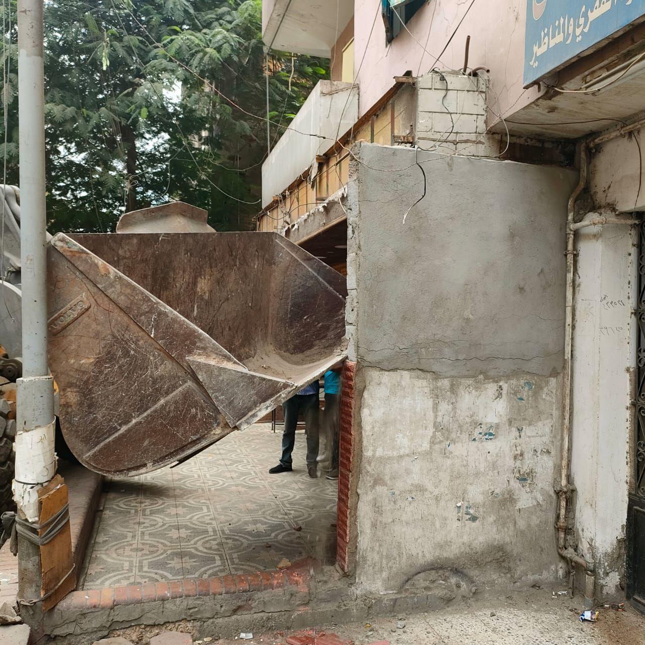 ازالة تعديات على شوارع الجيزة (7)