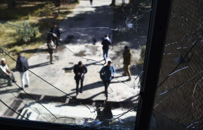 """أفغانستان... 25 قتيلا إثر انفجار جديد واختفاء 30 جنديا بهجوم لـ""""طالبان"""""""