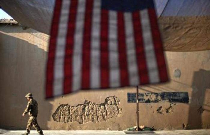 بدء الانسحاب الرسمي للقوات الأمريكية والناتو من أفغانستان