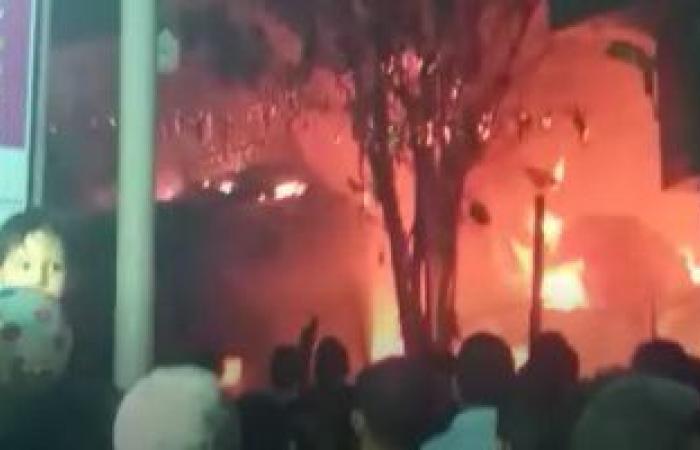 حريق هائل فى عمارة بالكيت كات.. والحماية المدنية تحاول إخماده.. فيديو