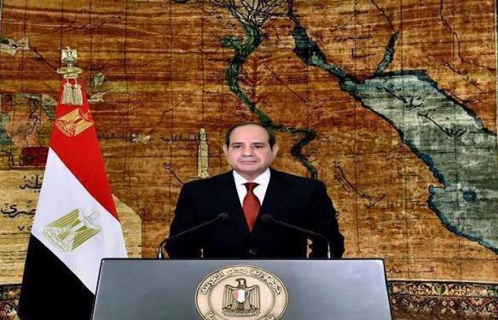 """السيسي لـ""""عمال مصر"""": اليوم رمز للعطاء والتضحية والإخلاص والتفاني"""