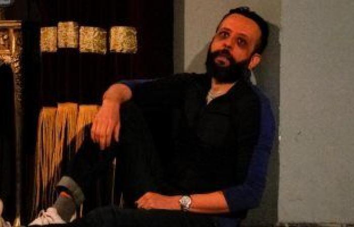 عمرو القاضي يجسد شخصية هاملت فى مسرحية من تأليف سامح مهران