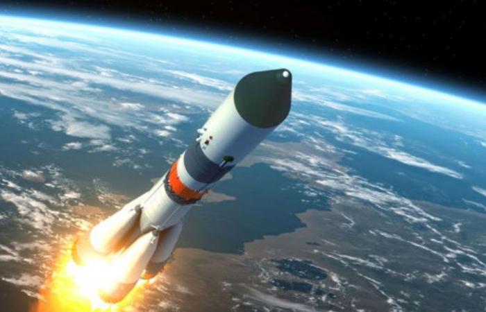 أمريكا تفقد السيطرة على صاروخ فضائي.. هل يكرر سيناريو الصين؟
