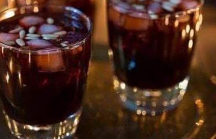لذيذ ومنعش في الحر.. طريقة عمل عصير الزبيب