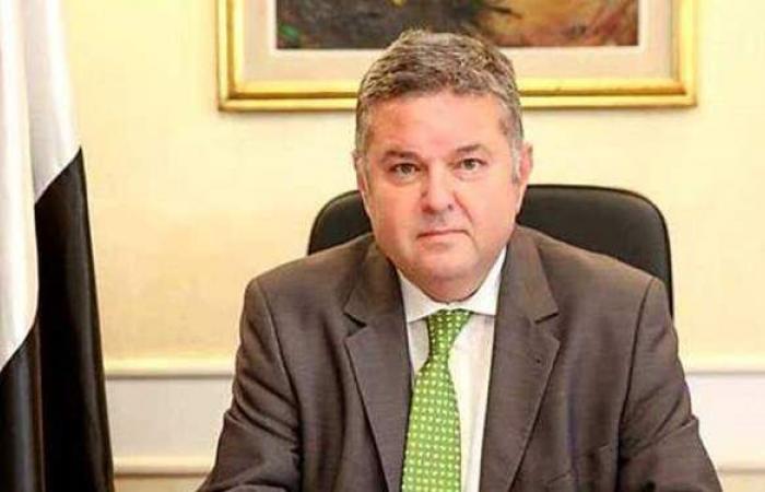 وزير قطاع الأعمال: تفعيل قرار غلق مصنع الحديد والصلب   فيديو