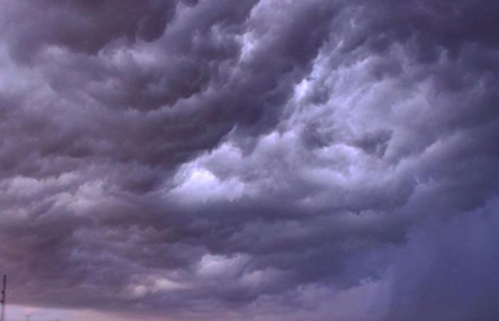 طقس الأربعاء.. سحب رعدية ممطرة وسماء غائمة جزئيًا على عدة مناطق