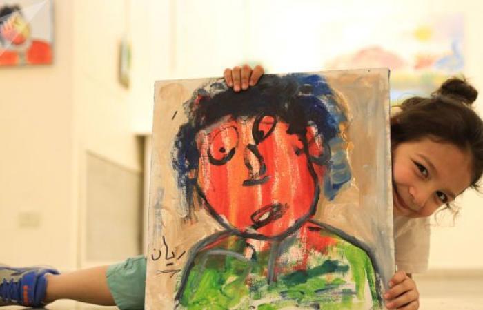 ريان.. طفل في الخامسة يقيم معرضه الأول في دمشق