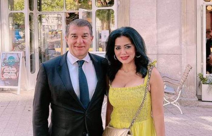 """رانيا يوسف برفقة رئيس برشلونة: """"مع أجمد رئيس نادي في العالم"""""""
