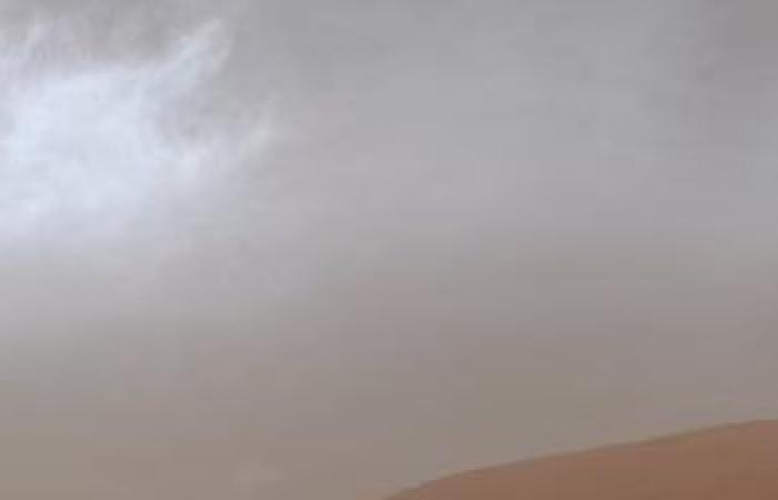 شاهد.. صور لسحب نادرة على ارتفاعات عالية فوق المريخ