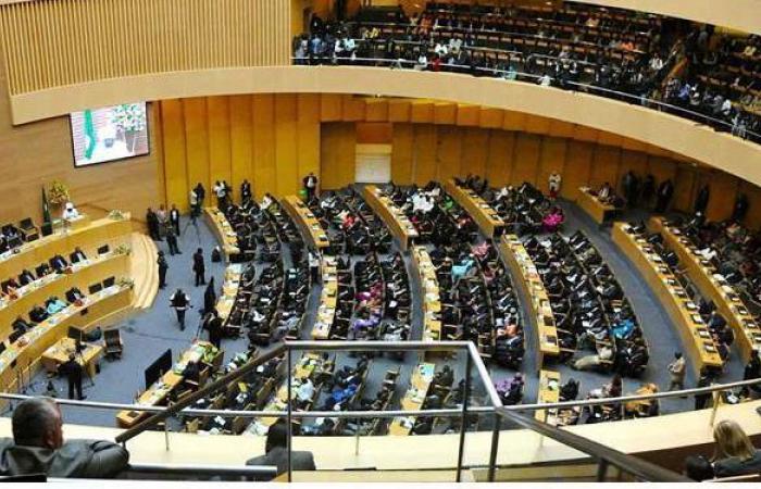 للمرة الثانية.. الاتحاد الأفريقي يعلق عضوية مالي ويهدد بعقوبات