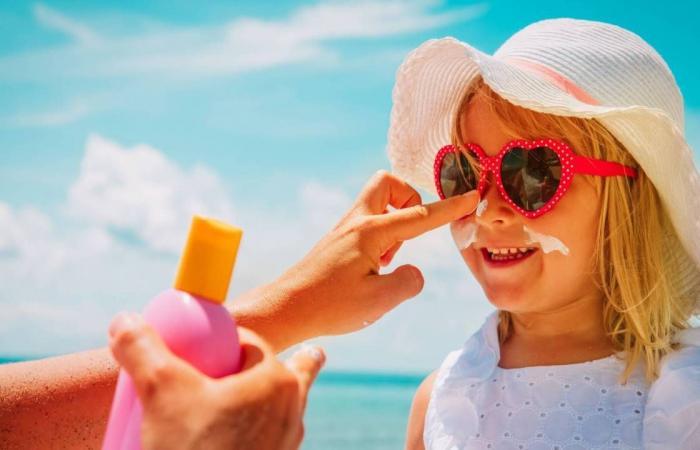 3 طرق لحماية الأطفال من الشمس والأشعة فوق البنفسجية