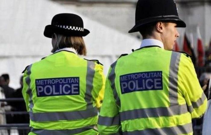 شرطة بريطانيا تبرئ طفلاً مسلماً.. معلمه اتهمه بالإرهاب!
