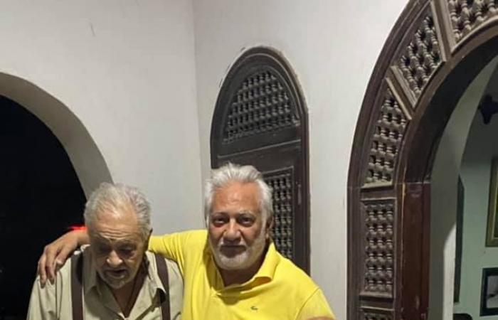 سامح الصريطى يكشف أخر صورة جمعت بين رمسيس مرزوق وشقيقه النحات زوسر