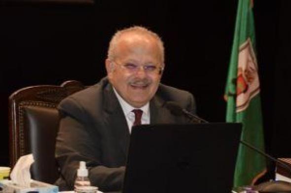 رئيس جامعة القاهرة: انتهينا من تطعيم 12 ألف عضو هيئة تدريس